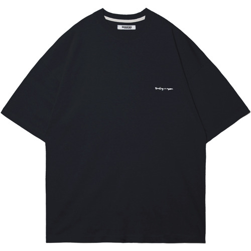 M#1550 in my room tee (black)
